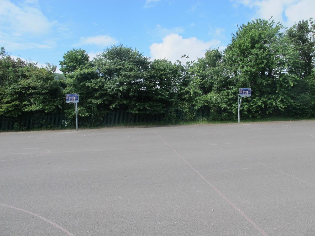 Outdoor MUGA - Elms School - Kent - 3 - SchoolHire