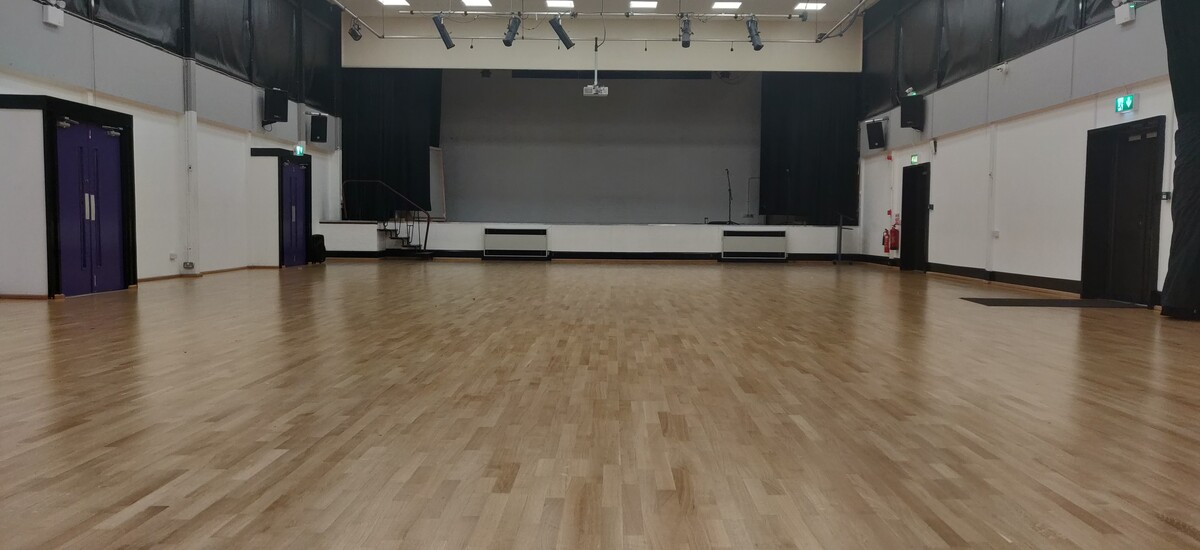 Main Hall  - SLS @ Ormiston Chadwick Academy - Cheshire West and Chester - 4 - SchoolHire