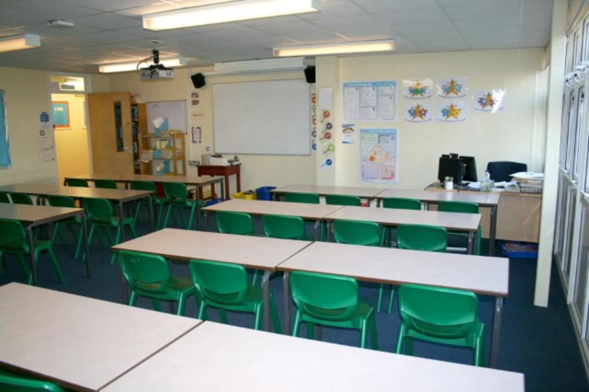 General Classroom - Kingsdown School - Swindon - 1 - SchoolHire