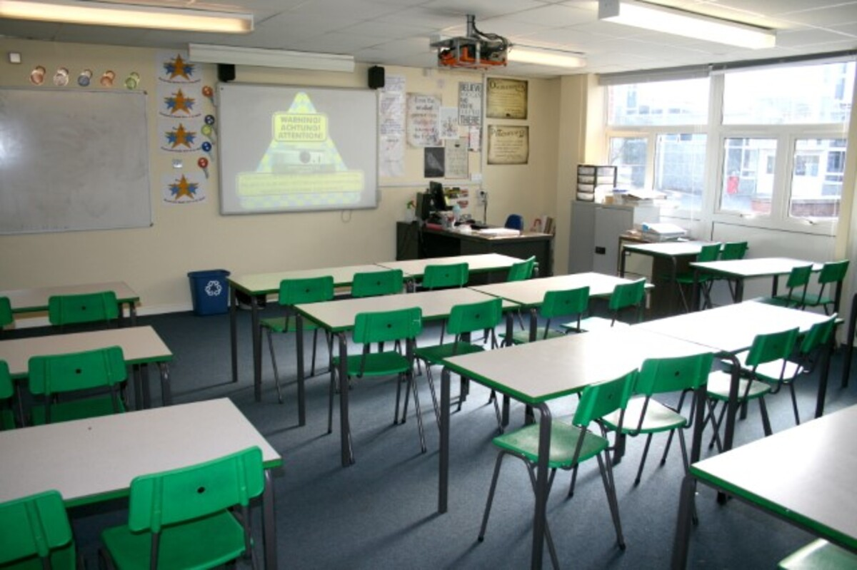 General Classroom - Kingsdown School - Swindon - 2 - SchoolHire