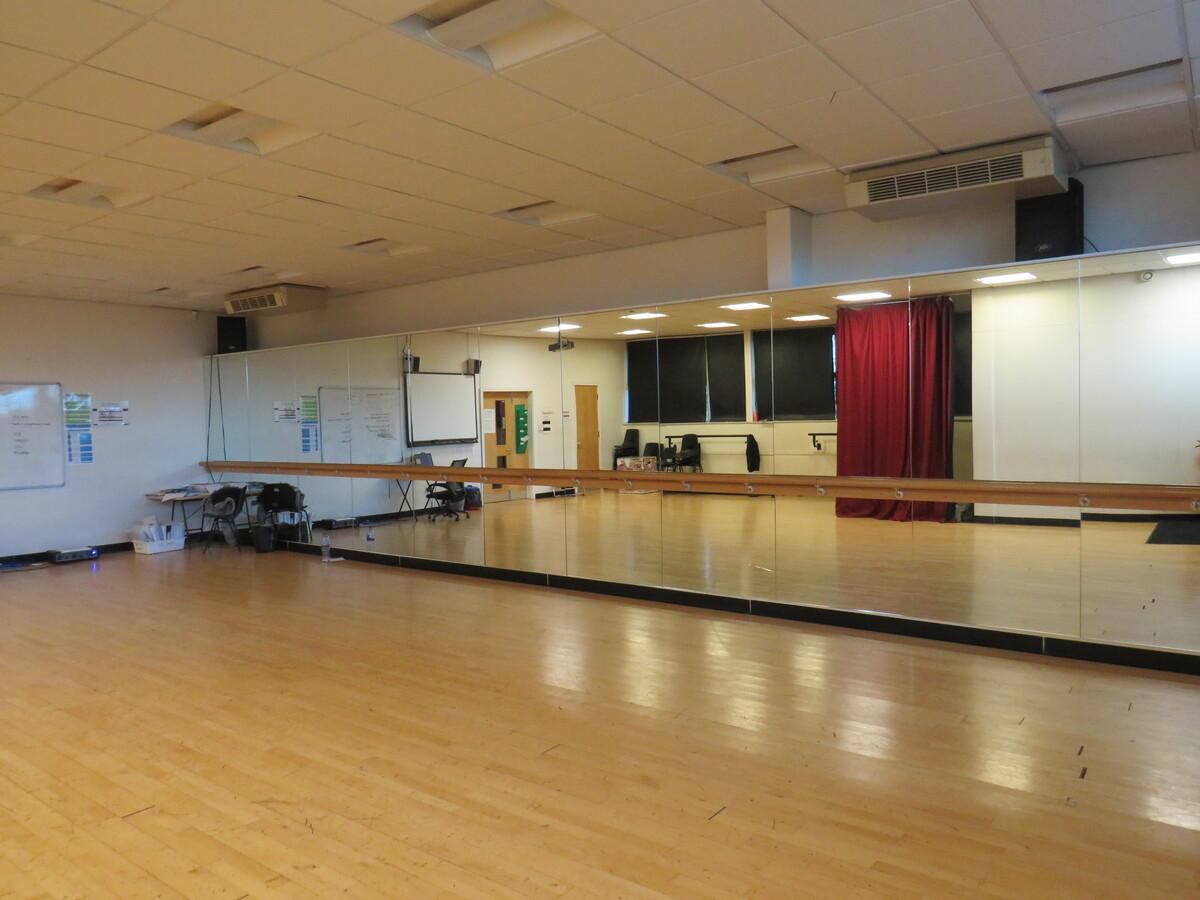 Dance Studio - St Wilfrid's Catholic High School & Sixth Form College - West Yorkshire - 4 - SchoolHire