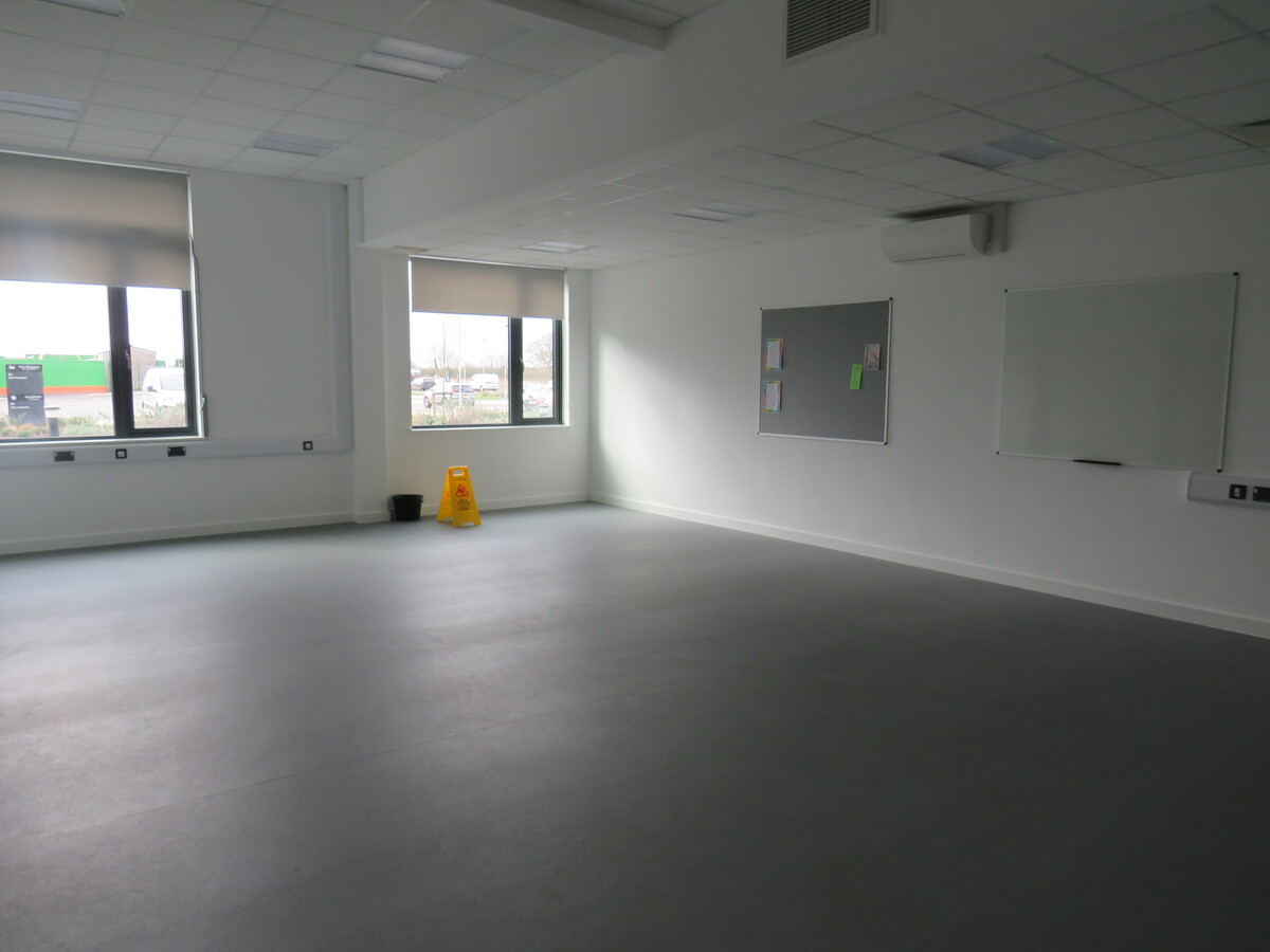 Community Room - The Deanery CE Academy - Swindon - 1 - SchoolHire