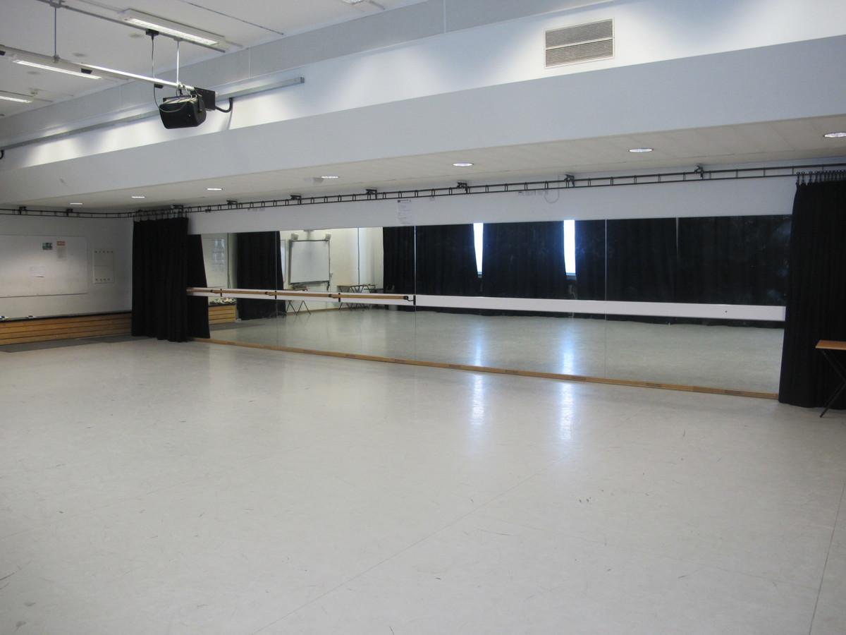 Dance Studio - Haringey Sixth Form College - Haringey - 1 - SchoolHire