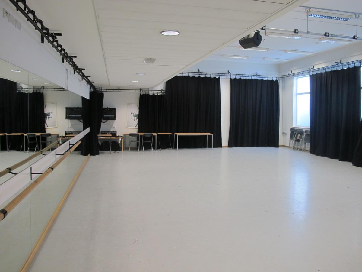Dance Studio - Haringey Sixth Form College - Haringey - 2 - SchoolHire