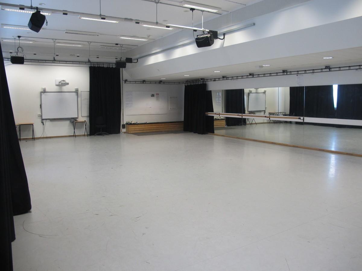 Dance Studio - Haringey Sixth Form College - Haringey - 4 - SchoolHire