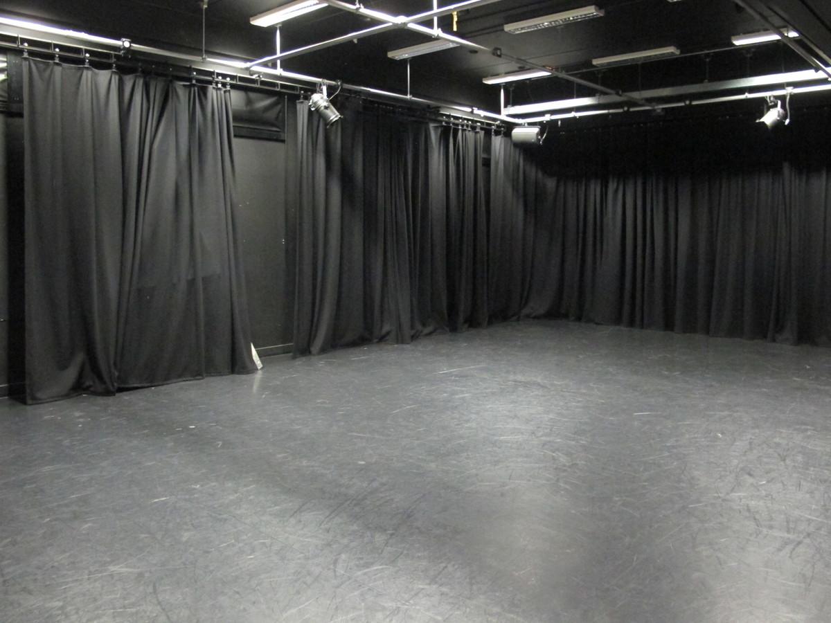 Drama Studio - Haringey Sixth Form College - Haringey - 2 - SchoolHire