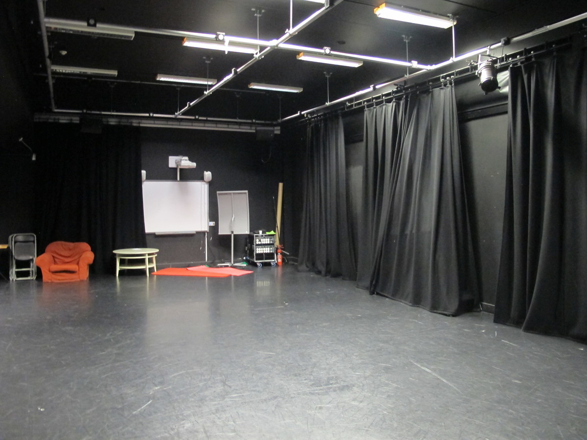 Drama Studio - Haringey Sixth Form College - Haringey - 4 - SchoolHire