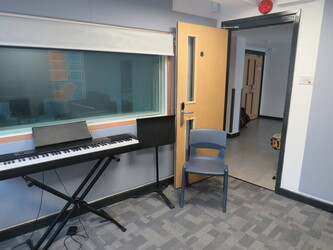 Music Rehearsal Rooms (Small) - Rickmansworth School - Hertfordshire - 4 - SchoolHire