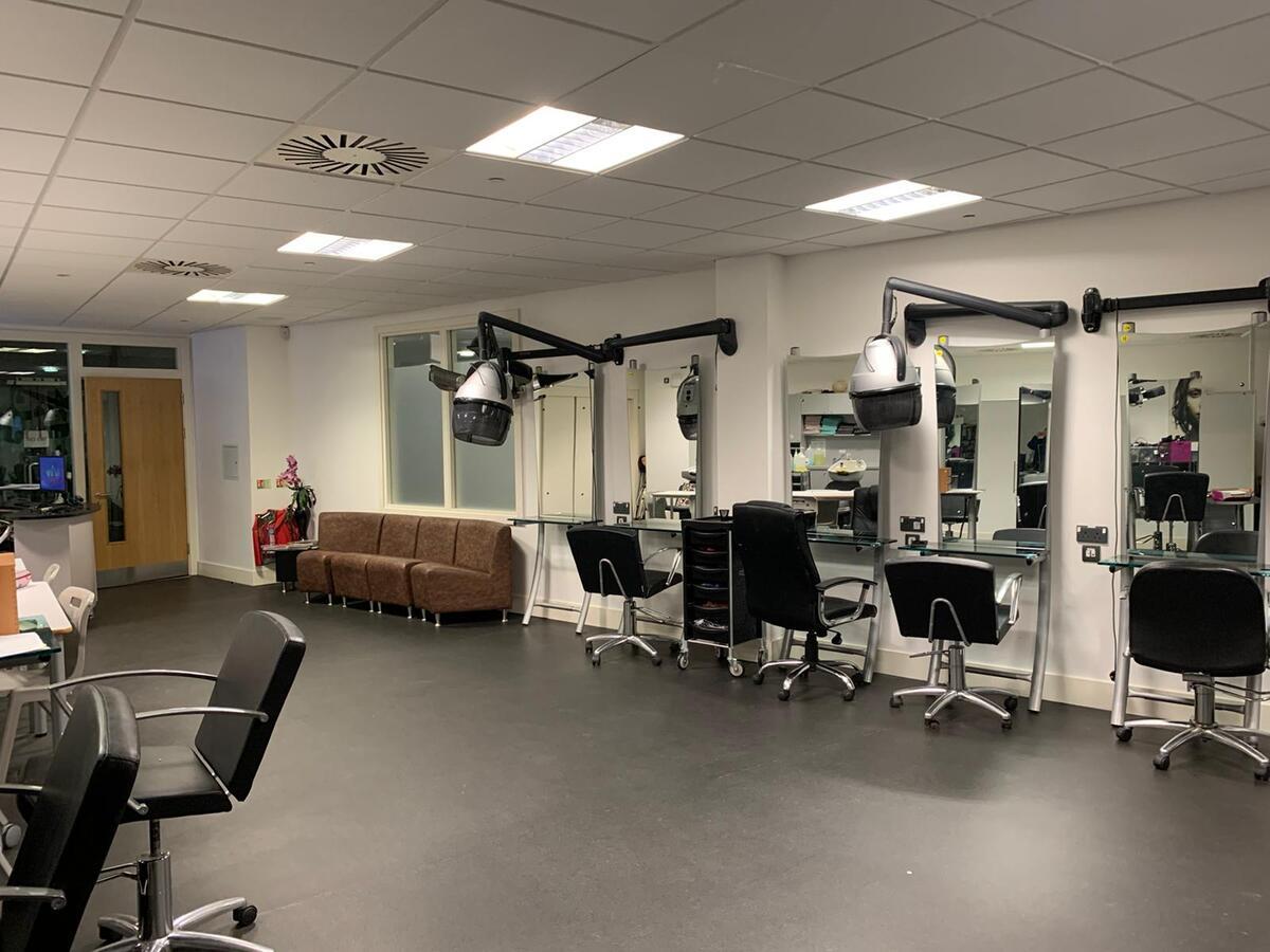 Specialist Classroom - Salon - SLS @ Tudor Grange Academy Worcester - Worcestershire - 2 - SchoolHire