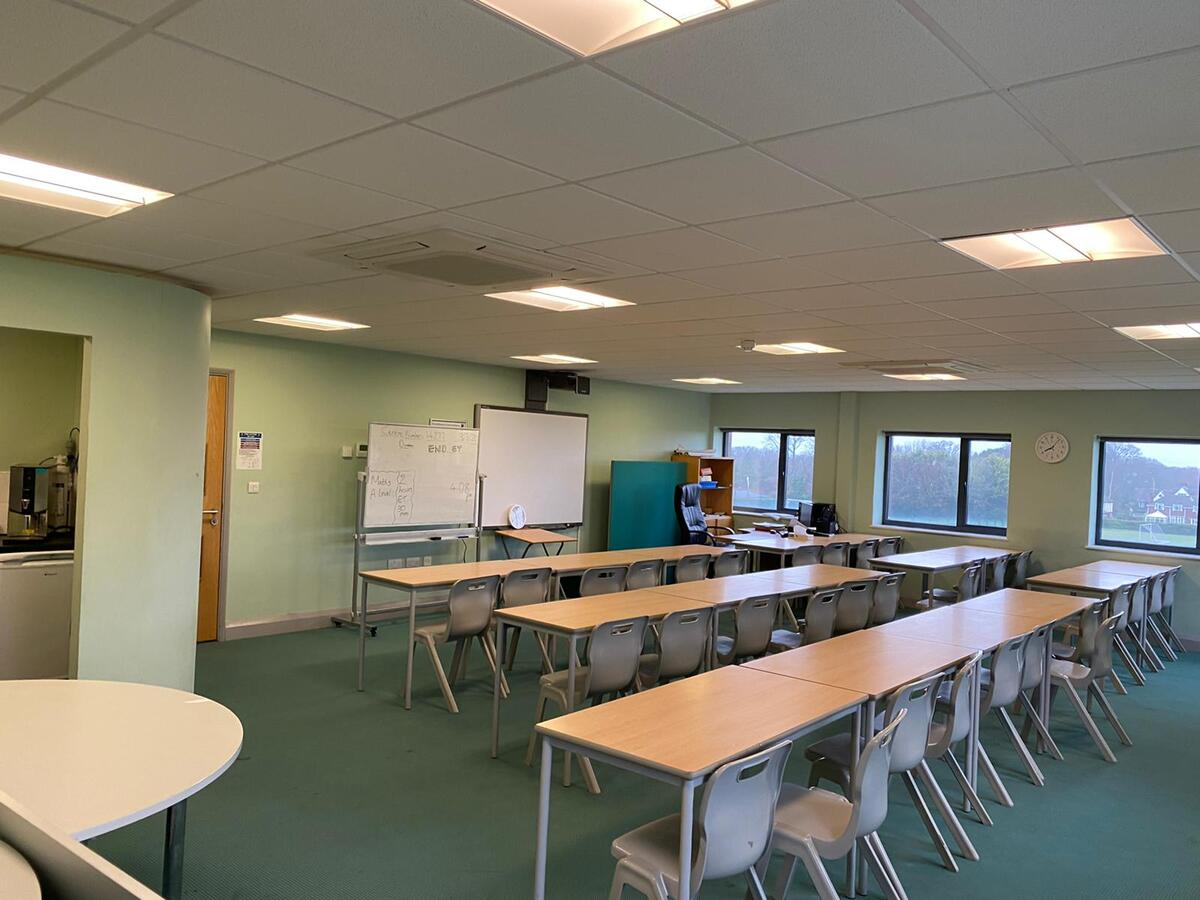 Specialist classroom - New TLC - SLS @ Ravens Wood School - Bromley - 3 - SchoolHire