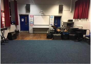 Specialist Classroom - SLS @ Lancaster Royal Grammar School - Lancashire - 4 - SchoolHire