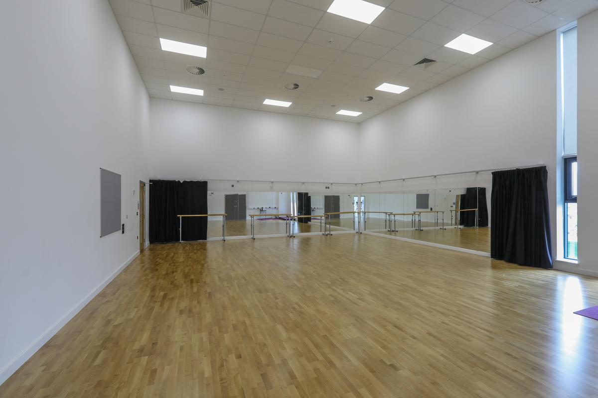 Dance Studio - The Deanery CE Academy - Swindon - 1 - SchoolHire