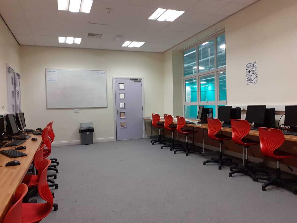 Specialist Classroom - IT Suite - SLS @ Blessed Trinity RC College - Lancashire - 1 - SchoolHire