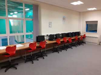 Specialist Classroom - IT Suite - SLS @ Blessed Trinity RC College - Lancashire - 2 - SchoolHire