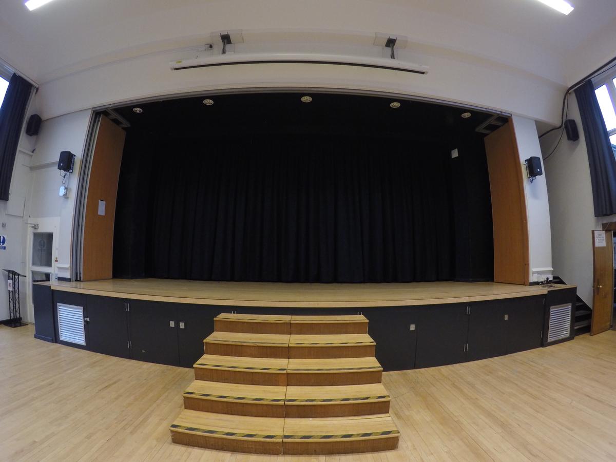 Stage - Royal Latin School - Buckinghamshire - 1 - SchoolHire