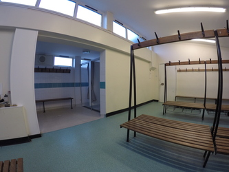 Changing Rooms (Gym) - Royal Latin School - Buckinghamshire - 1 - SchoolHire