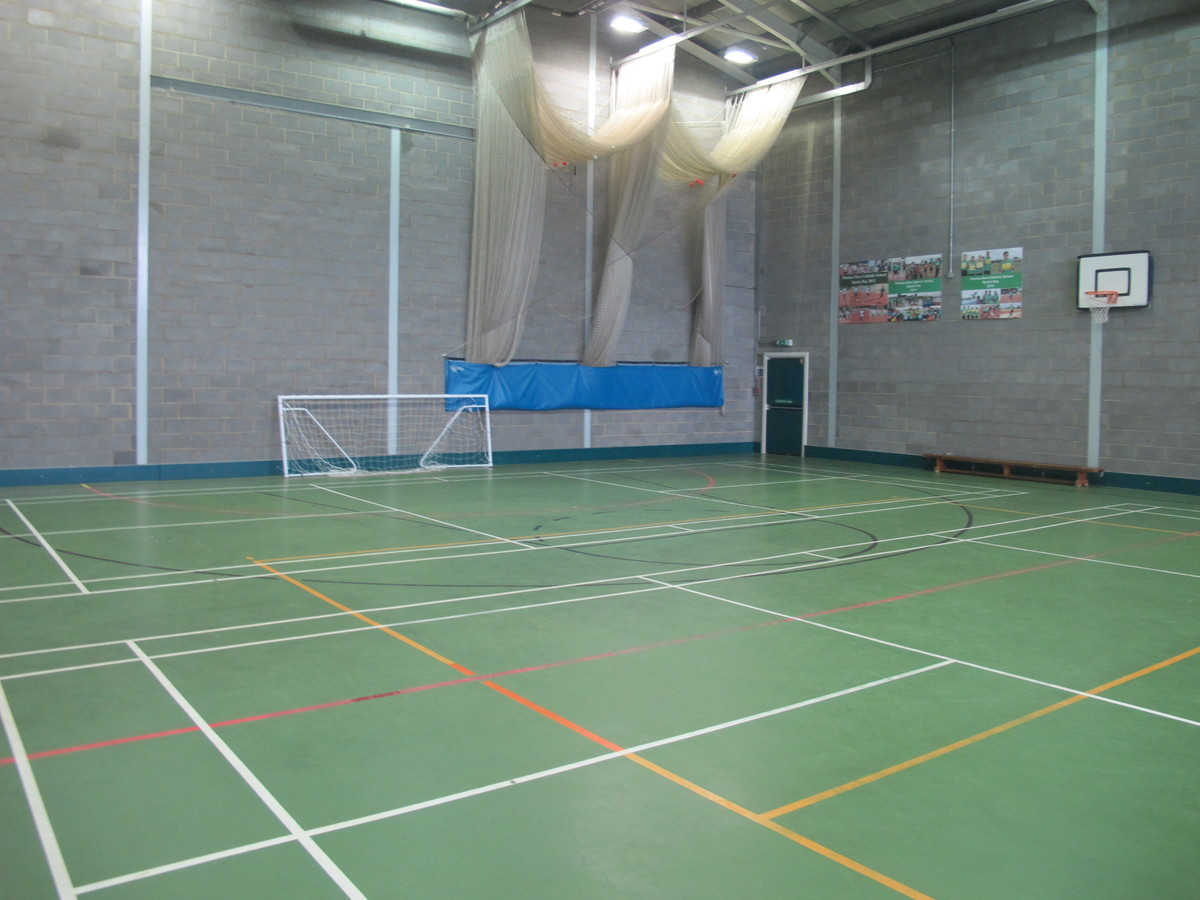 Sports Hall - Thomas More Catholic School - Croydon - 4 - SchoolHire