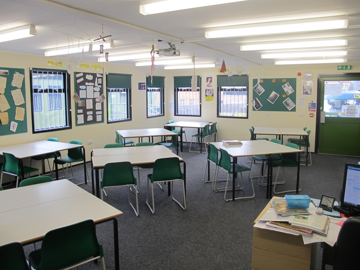 Classrooms - P Block - Thomas More Catholic School - Croydon - 2 - SchoolHire