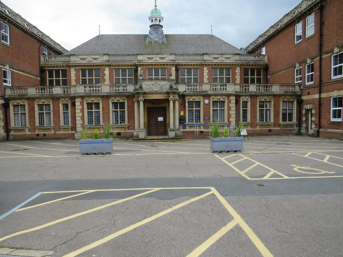 City of Norwich School - Norfolk - 1 - SchoolHire