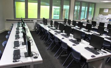 IT Classroom - Darwen Vale High School - Lancashire - 1 - SchoolHire