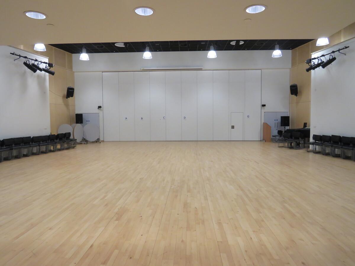 Main Hall - Darwen Vale High School - Lancashire - 2 - SchoolHire