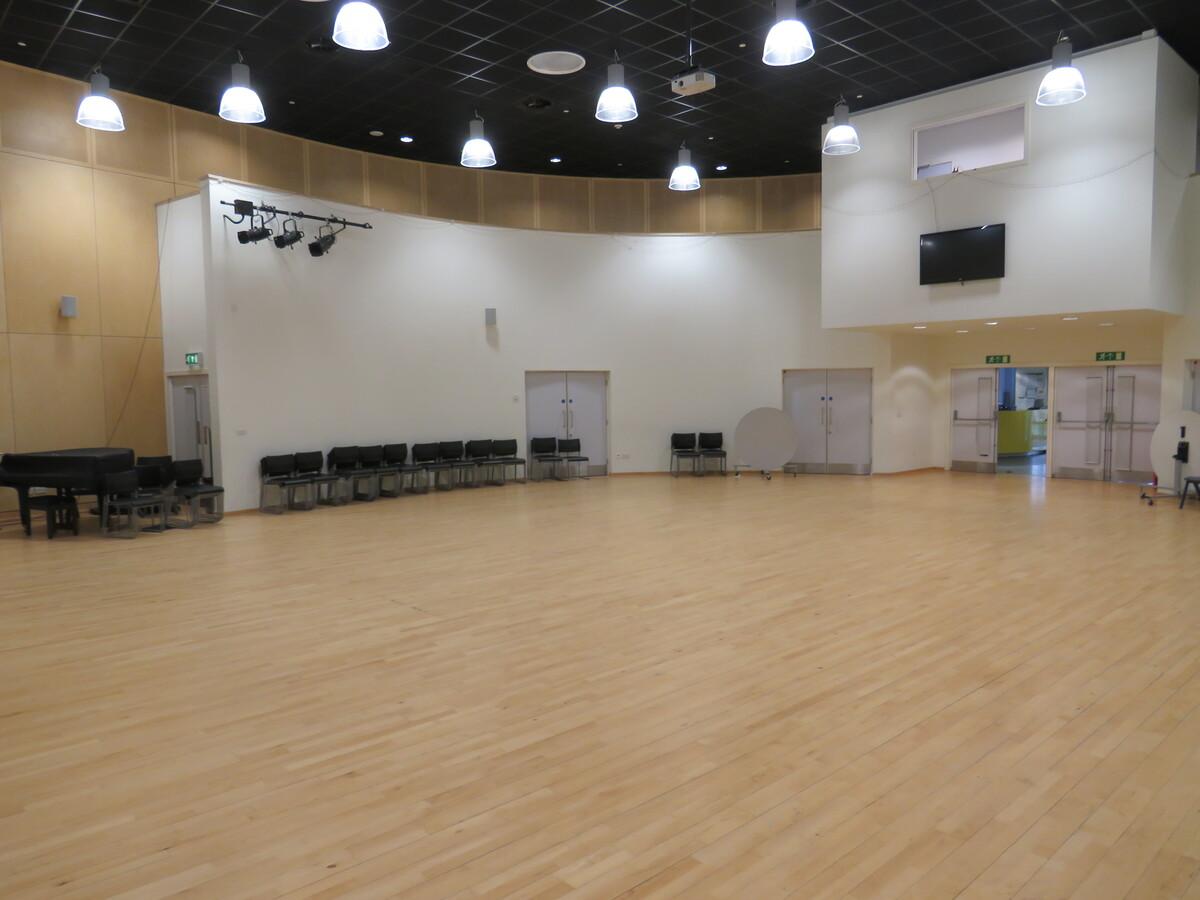 Main Hall - Darwen Vale High School - Lancashire - 3 - SchoolHire