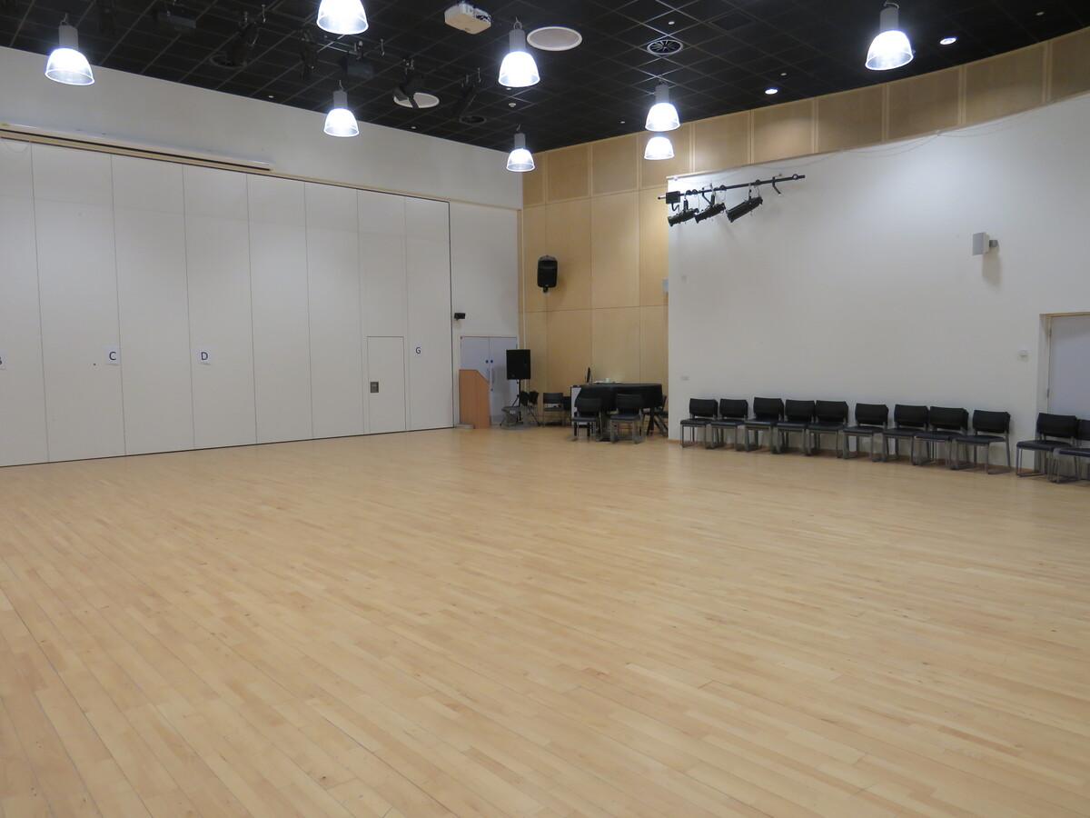 Main Hall - Darwen Vale High School - Lancashire - 4 - SchoolHire