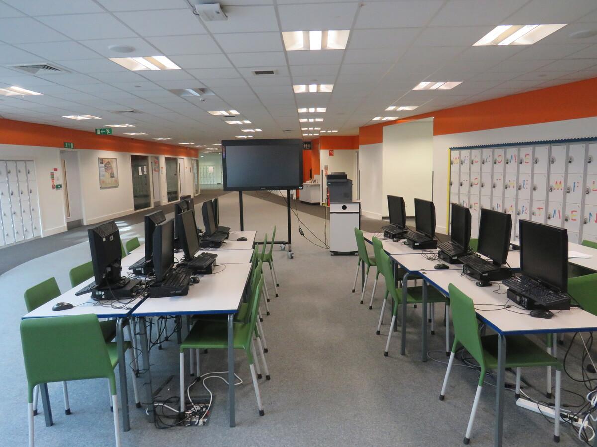 Communal Lounge - Darwen Vale High School - Lancashire - 3 - SchoolHire