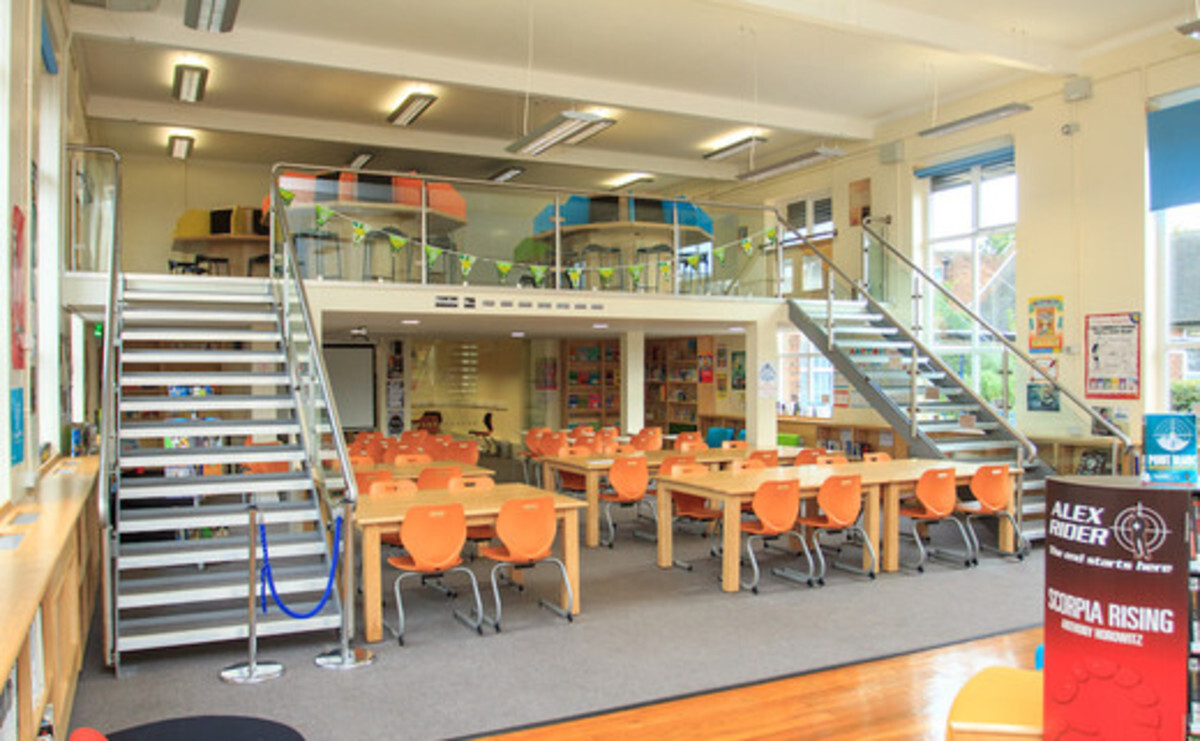 Library - EDU @ Sale High School - Lancashire - 2 - SchoolHire