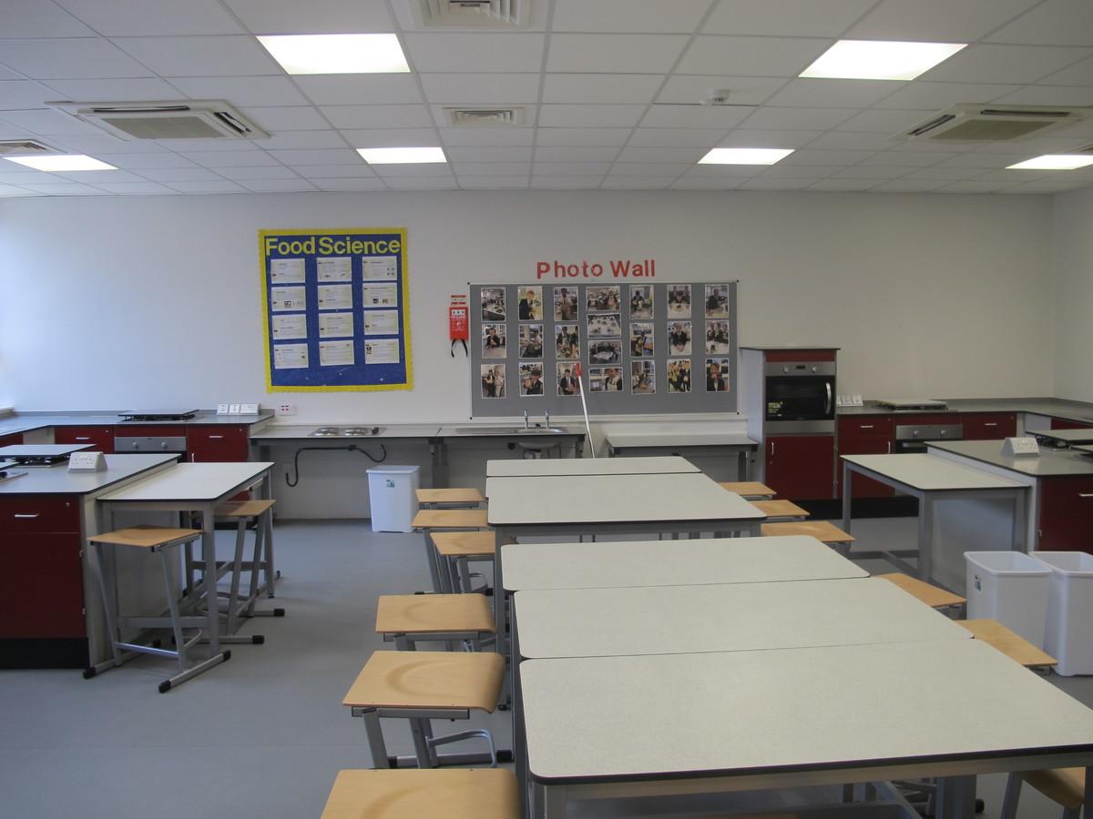 Food Tech Room - St Margaret's C of E Academy - Liverpool - 2 - SchoolHire