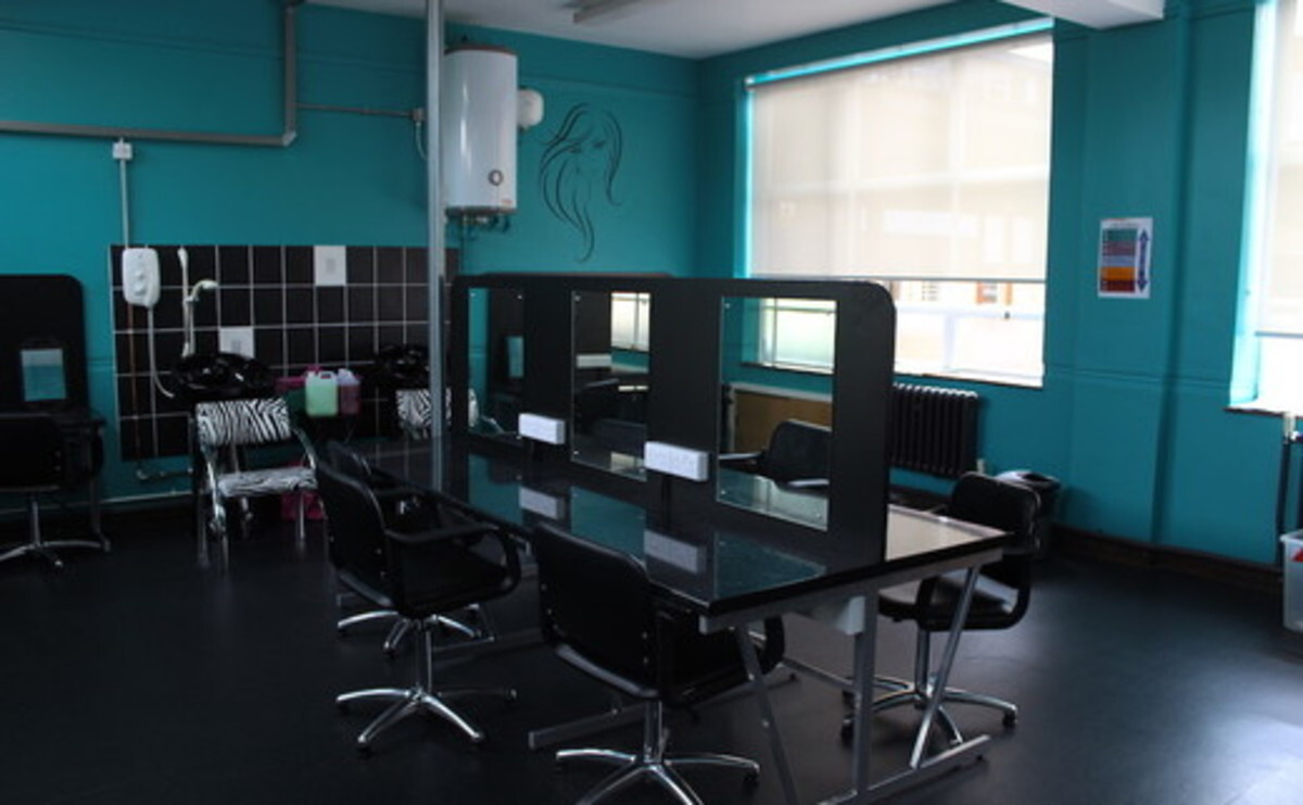 Beauty Salon - EDU @ Queens Park High School - Cheshire West and Chester - 1 - SchoolHire