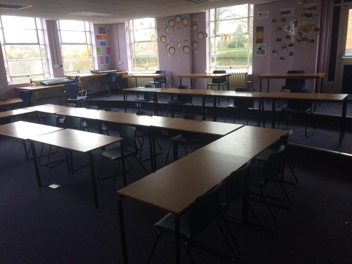 Classrooms - EDU @ Queens Park High School - Cheshire West and Chester - 4 - SchoolHire