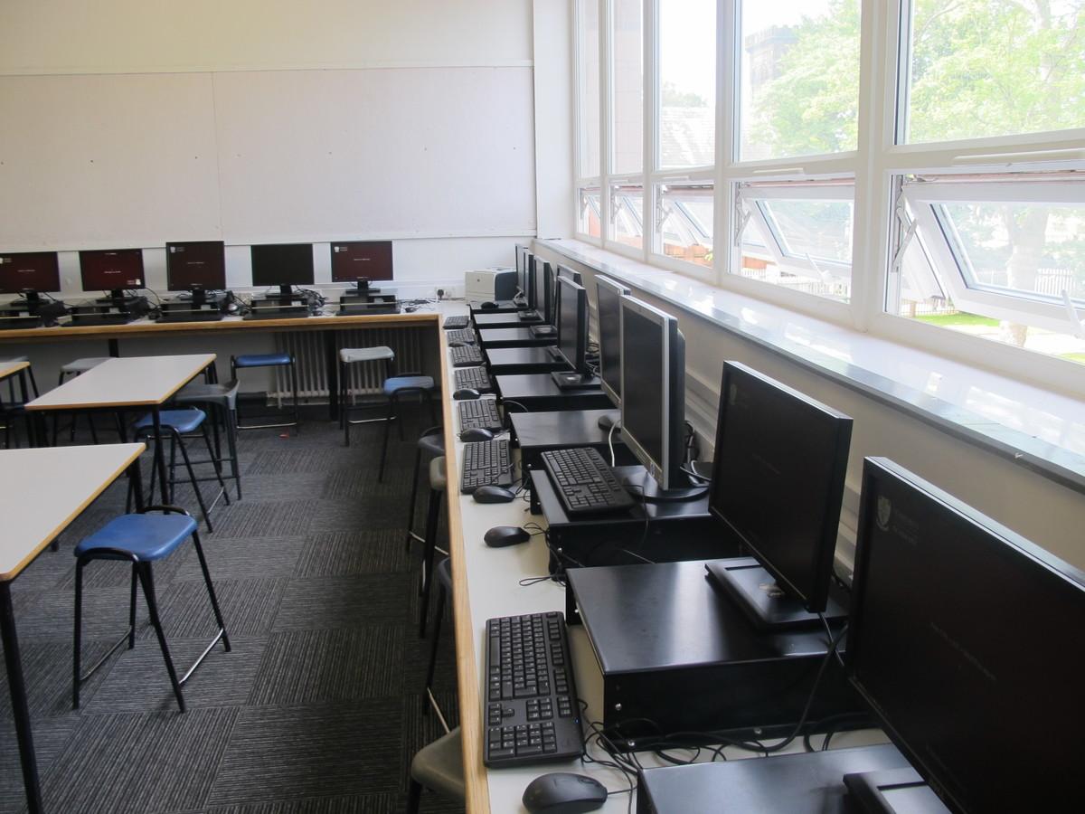 IT Rooms - St Margaret's C of E Academy - Liverpool - 2 - SchoolHire