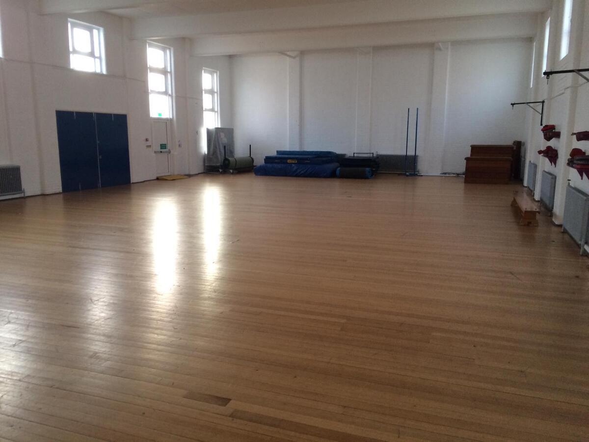 Gymnasium - EDU @ Queens Park High School - Cheshire West and Chester - 4 - SchoolHire