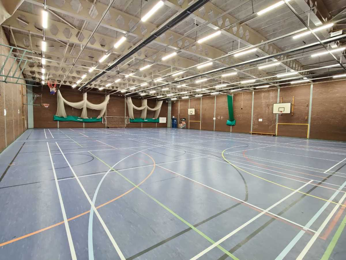 Sports Hall - EDU @ Queens Park High School - Cheshire West and Chester - 4 - SchoolHire