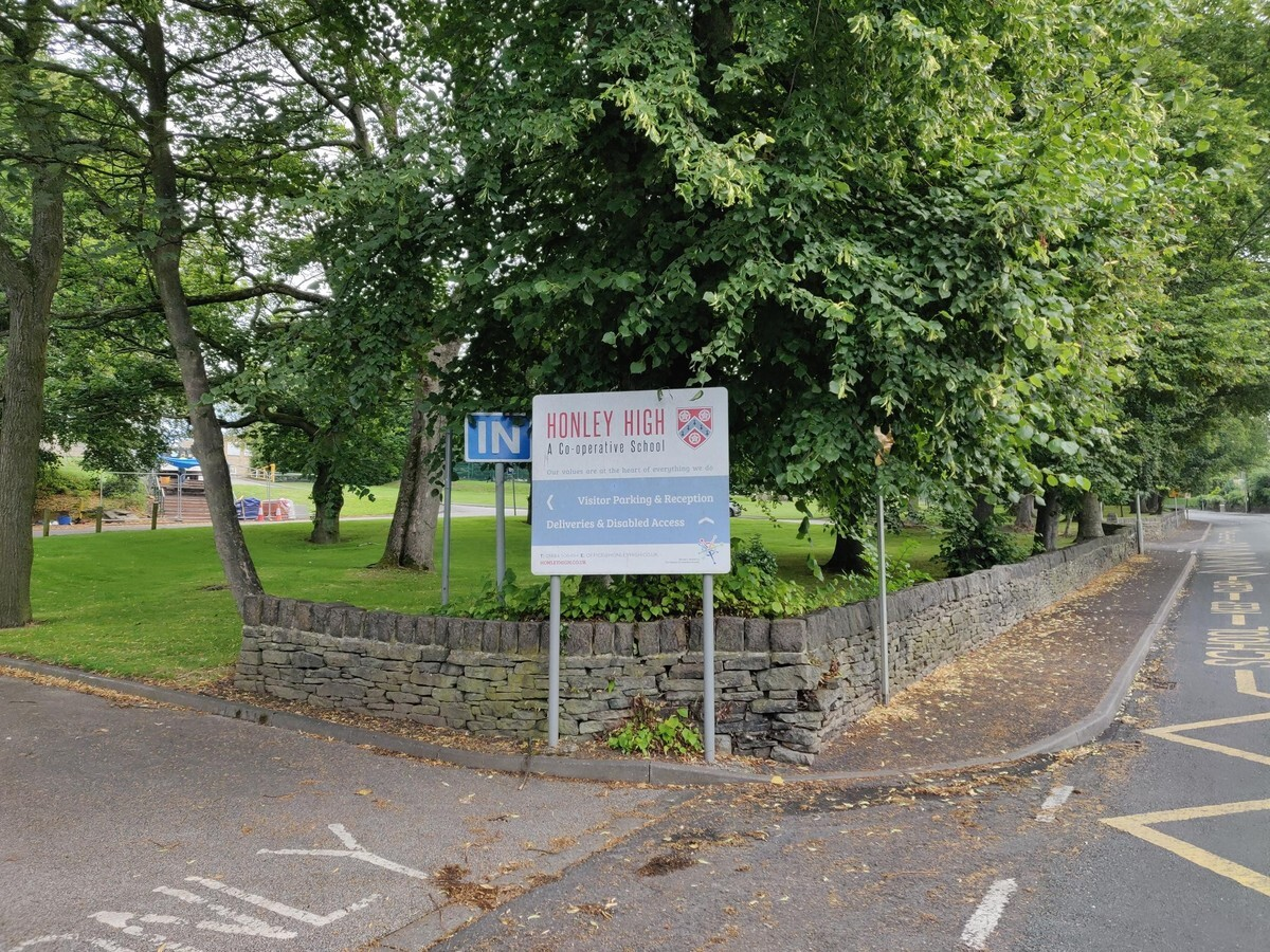 EDU @ Honley High School - West Yorkshire - 1 - SchoolHire