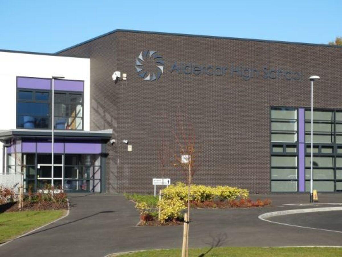 Aldercar High School - Nottingham - 3 - SchoolHire