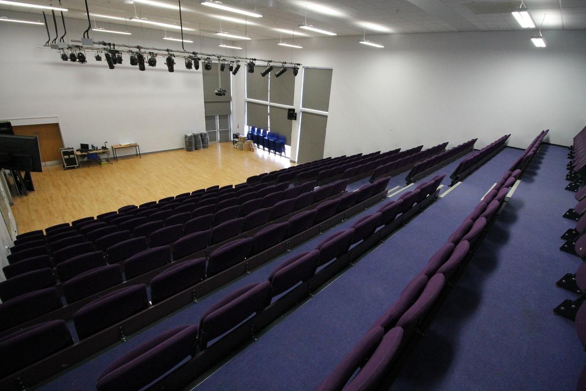 Main Hall - Aldercar High School - Nottingham - 4 - SchoolHire
