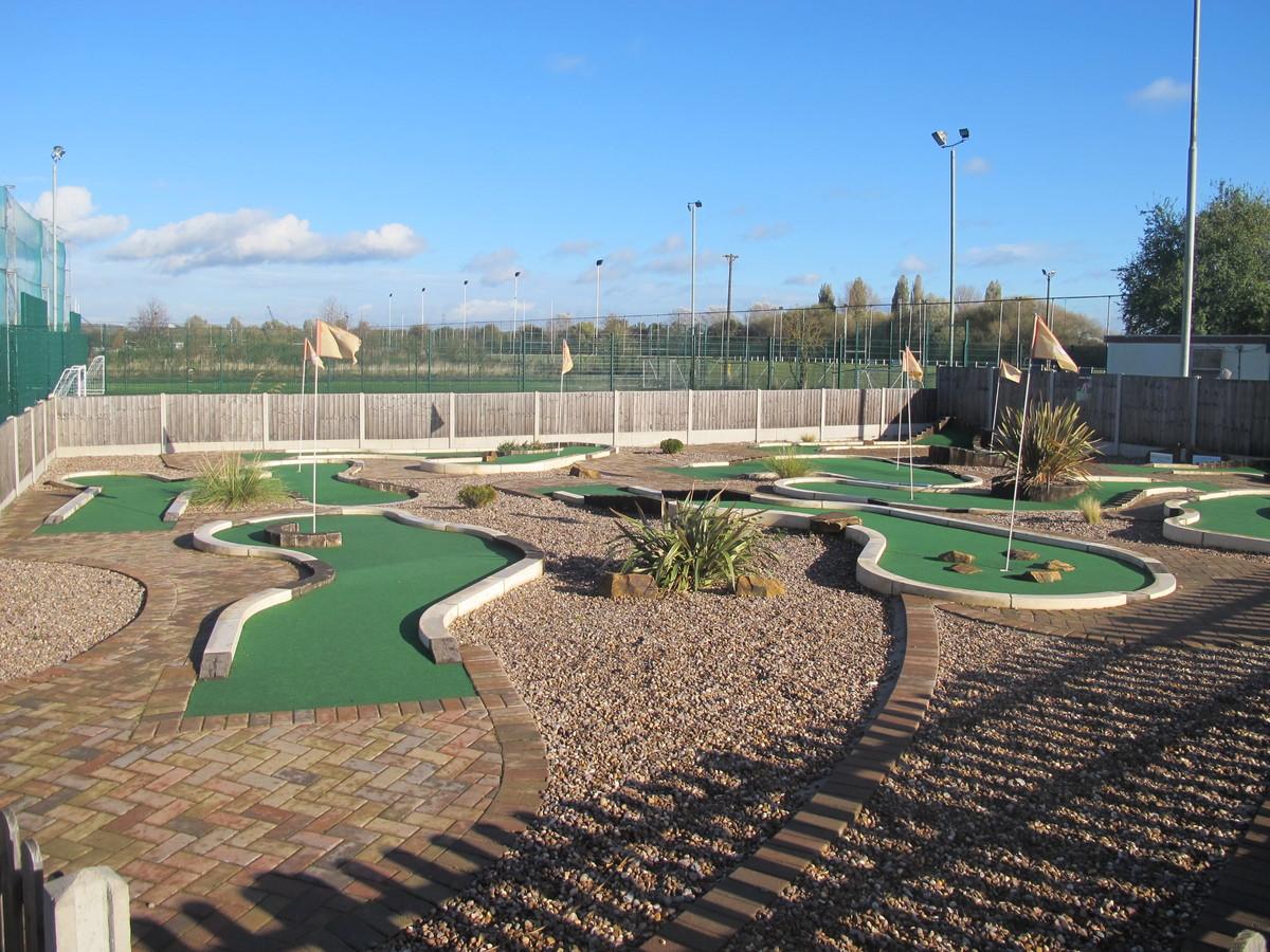 Mini Golf - Charnwood Golf & Leisure Complex - Leicestershire - 1 - SchoolHire