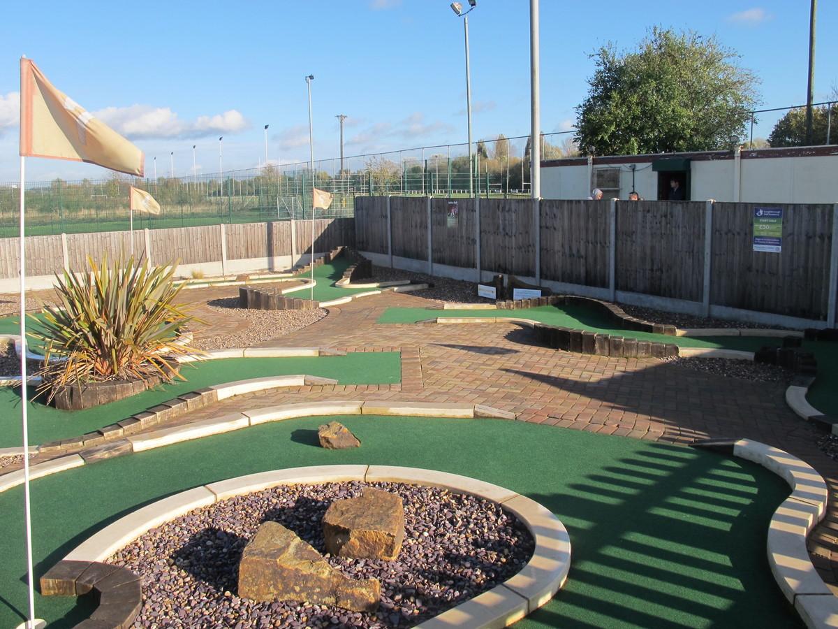 Mini Golf - Charnwood Golf & Leisure Complex - Leicestershire - 2 - SchoolHire