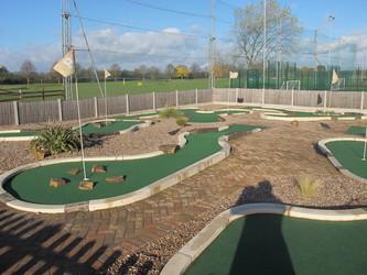 Mini Golf - Charnwood Golf & Leisure Complex - Leicestershire - 3 - SchoolHire