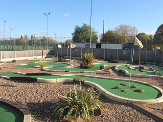 Mini Golf - Charnwood Golf & Leisure Complex - Leicestershire - 4 - SchoolHire