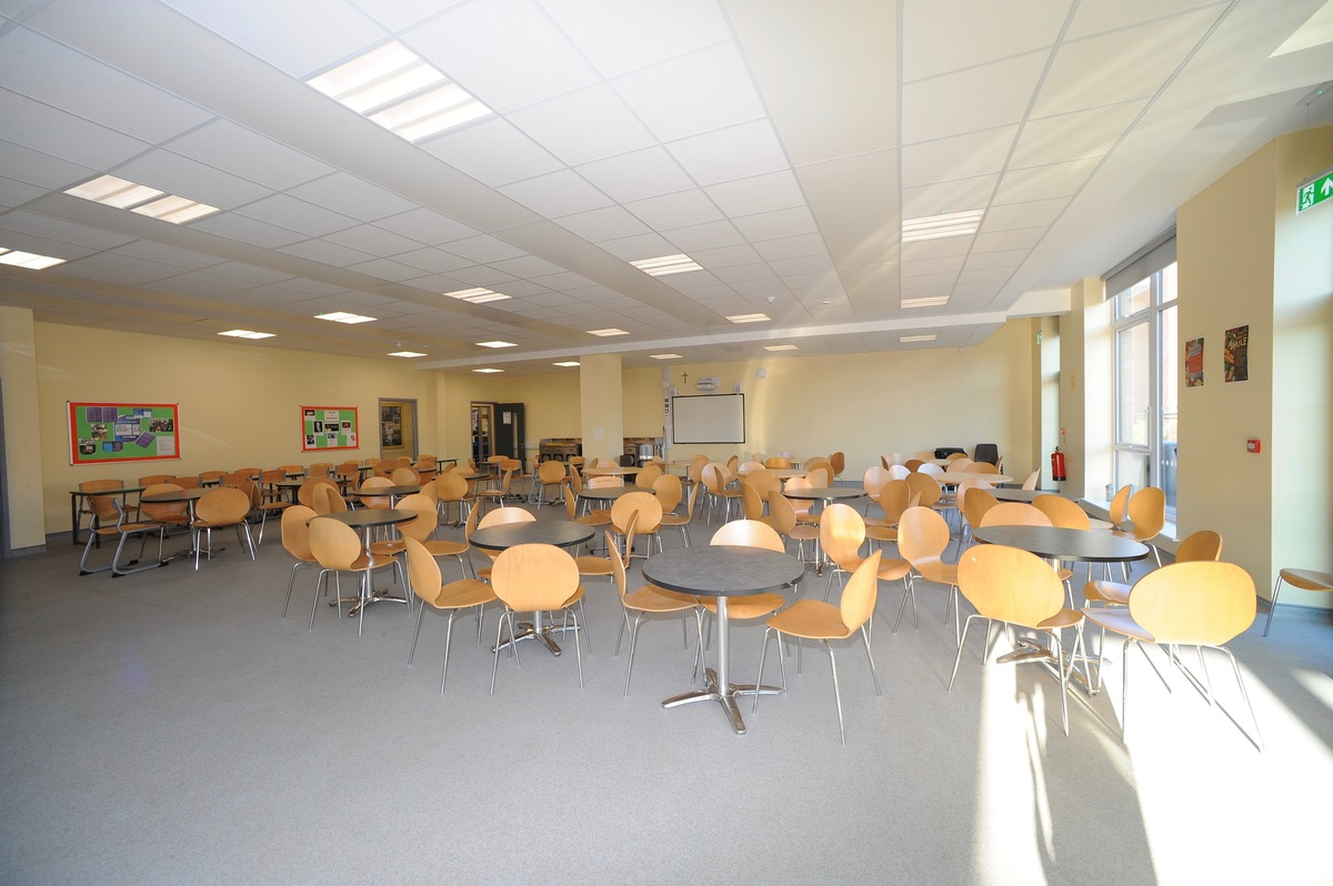 Dining Hall - Salvatorian College - Harrow - 3 - SchoolHire