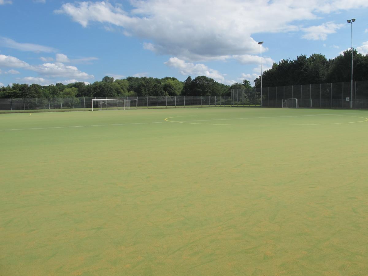 AstroTurf (Sand-based) - Tudor Park Sports & Leisure - Hounslow - 1 - SchoolHire
