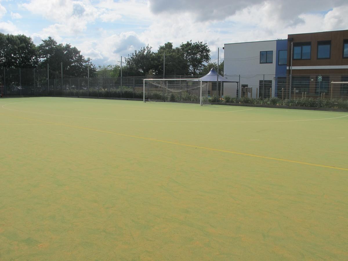 AstroTurf (Sand-based) - Tudor Park Sports & Leisure - Hounslow - 4 - SchoolHire