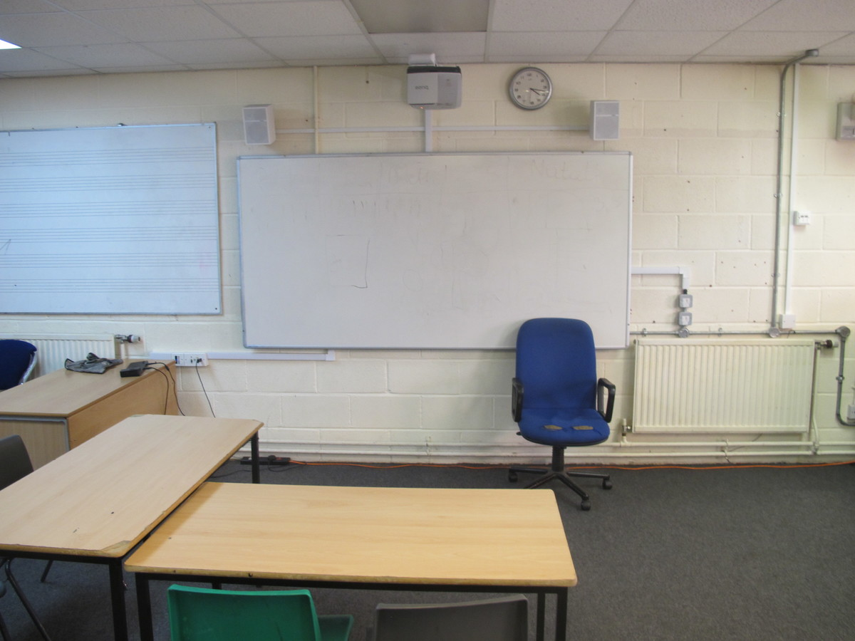 Classrooms - Music Block - Tudor Park Sports & Leisure - Hounslow - 3 - SchoolHire