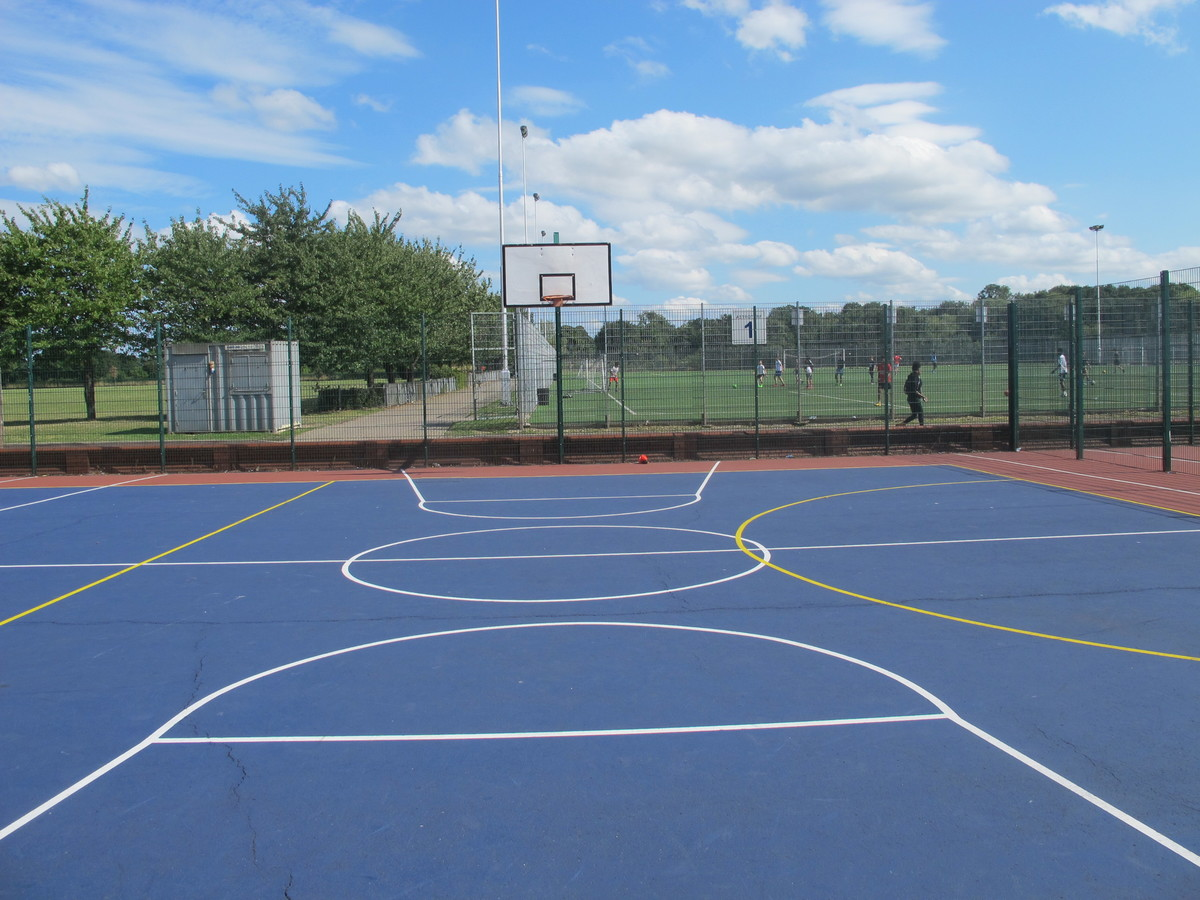 Netball Court - Tudor Park Sports & Leisure - Hounslow - 2 - SchoolHire