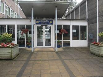 Kenilworth School and Sixth Form - Warwickshire - 2 - SchoolHire