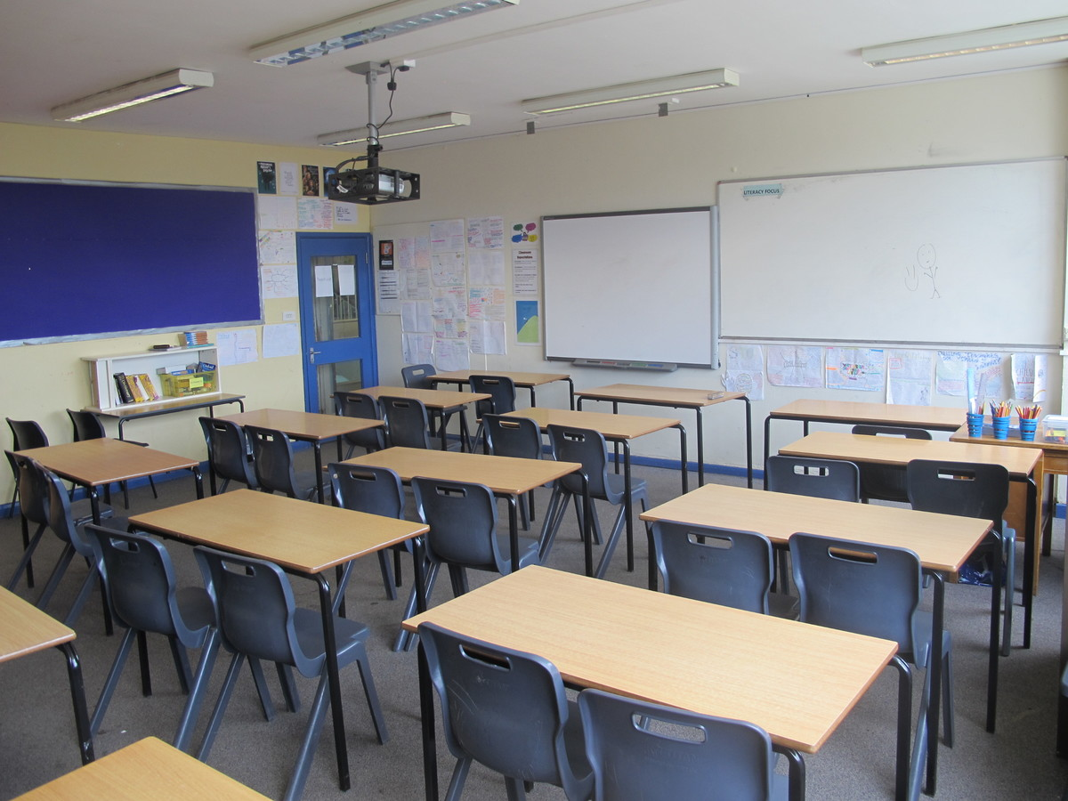 Classrooms - M Block - Kenilworth School and Sixth Form - Warwickshire - 1 - SchoolHire