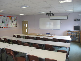 Classroom - U Block - Kenilworth School and Sixth Form - Warwickshire - 1 - SchoolHire